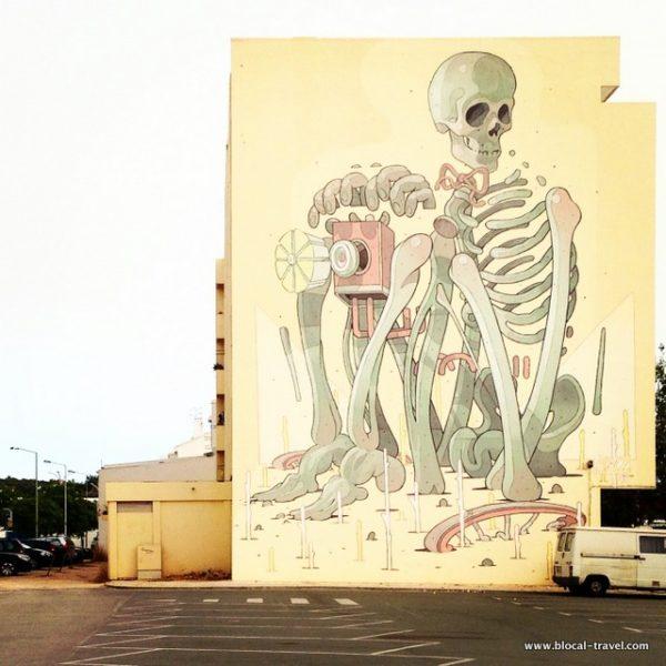 Aryz tempus fugit street art Lagos, Algarve, Portugal