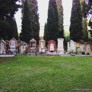 Cimitero della Parrochietta Roma cemeteries in rome