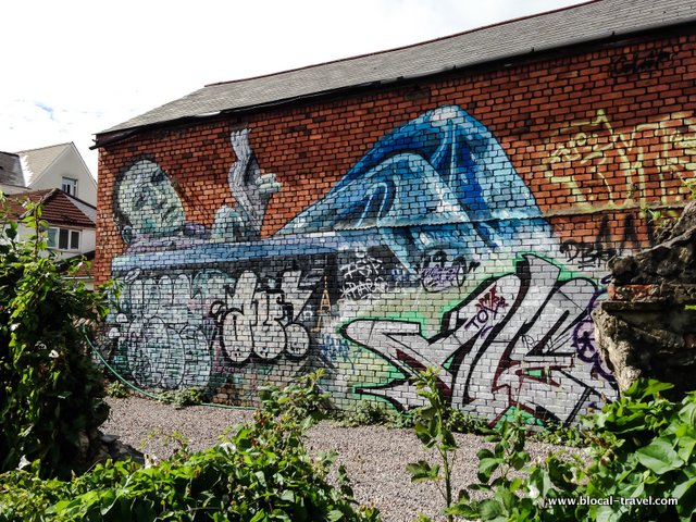 colourdoomed street art cardiff