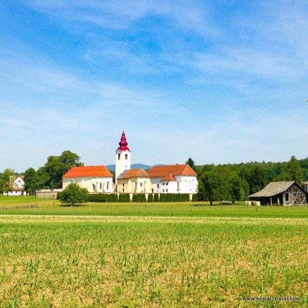 tri fare churches slovenia