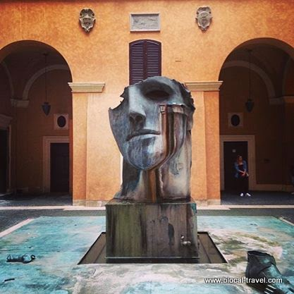 Hidden courtyards Rome