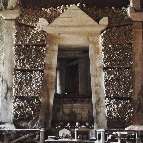 cimitero delle fontanelle Naples