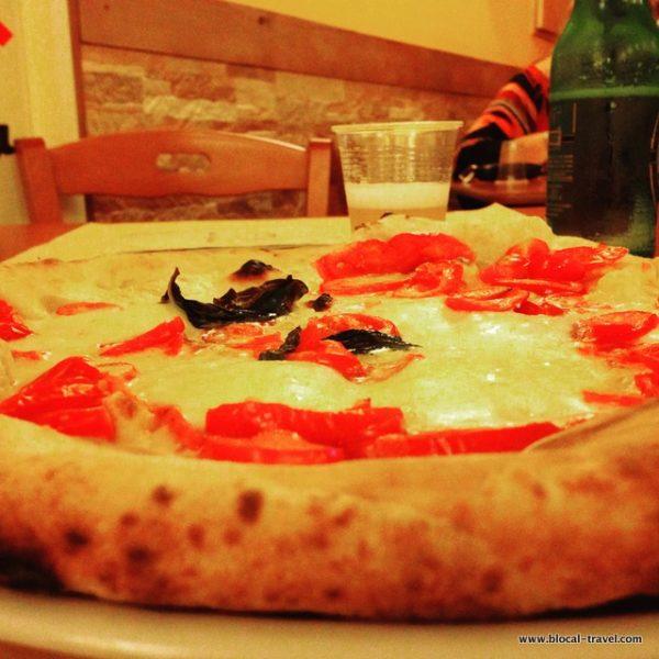 sorbillo pizza naples food italy