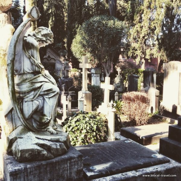 alternative walking tours in Rome cemetery in Rome