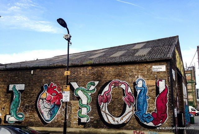 Mutiny Frankie Strand street art hackney london