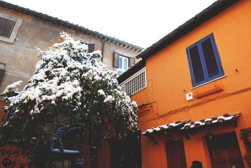 snow in Rome 2018 trastevere