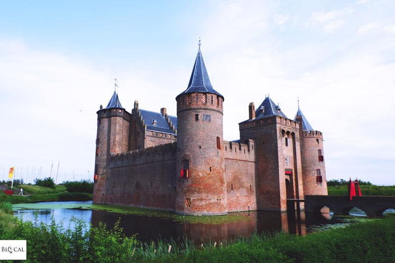 Muidderslot castle day trip from Amsterdam