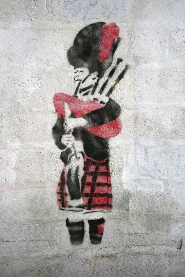 elki stencil street art aberdeen
