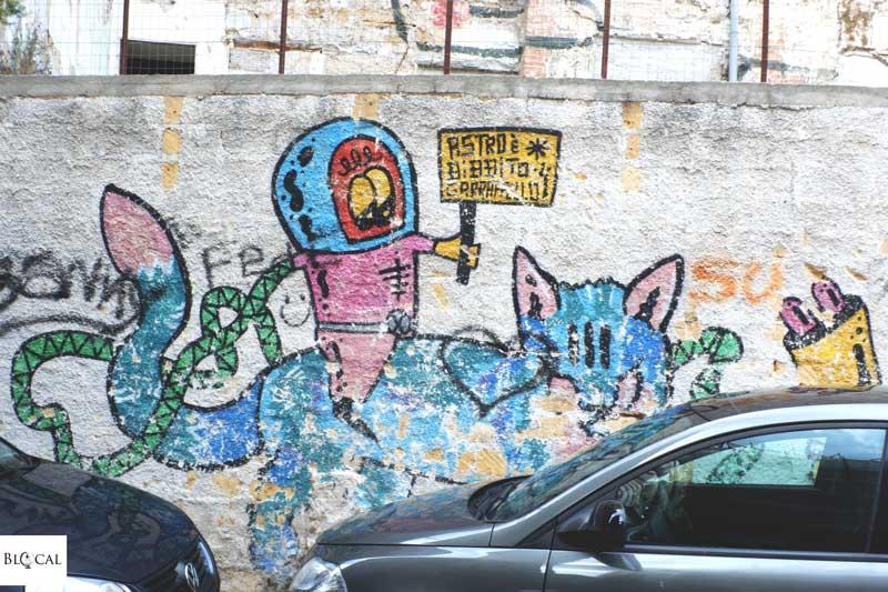 astronaut street art palermo