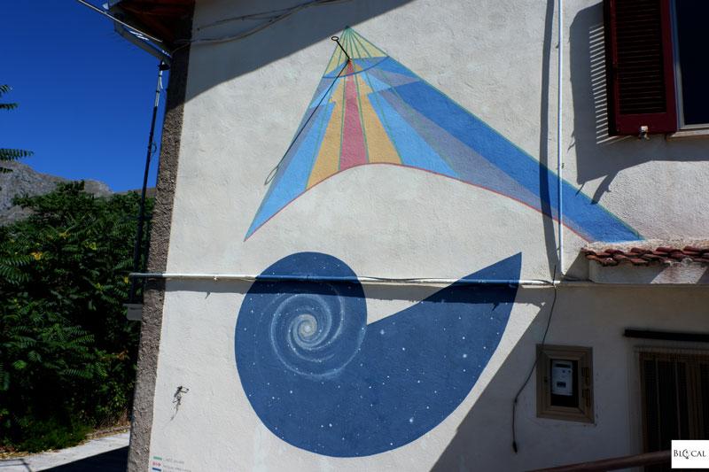 Solar Clock Borgo Universo mural Aielli street art Italy