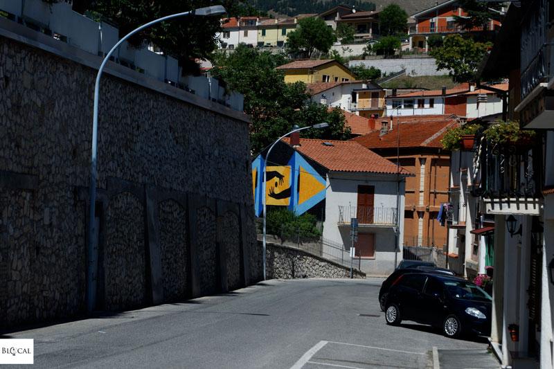 David de la Cruz Borgo Universo mural Aielli street art Italy