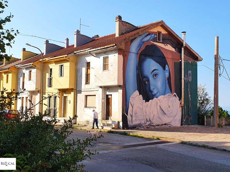 Leticia Mandragora Appartengo festival street art Stigliano Basilicata Italy